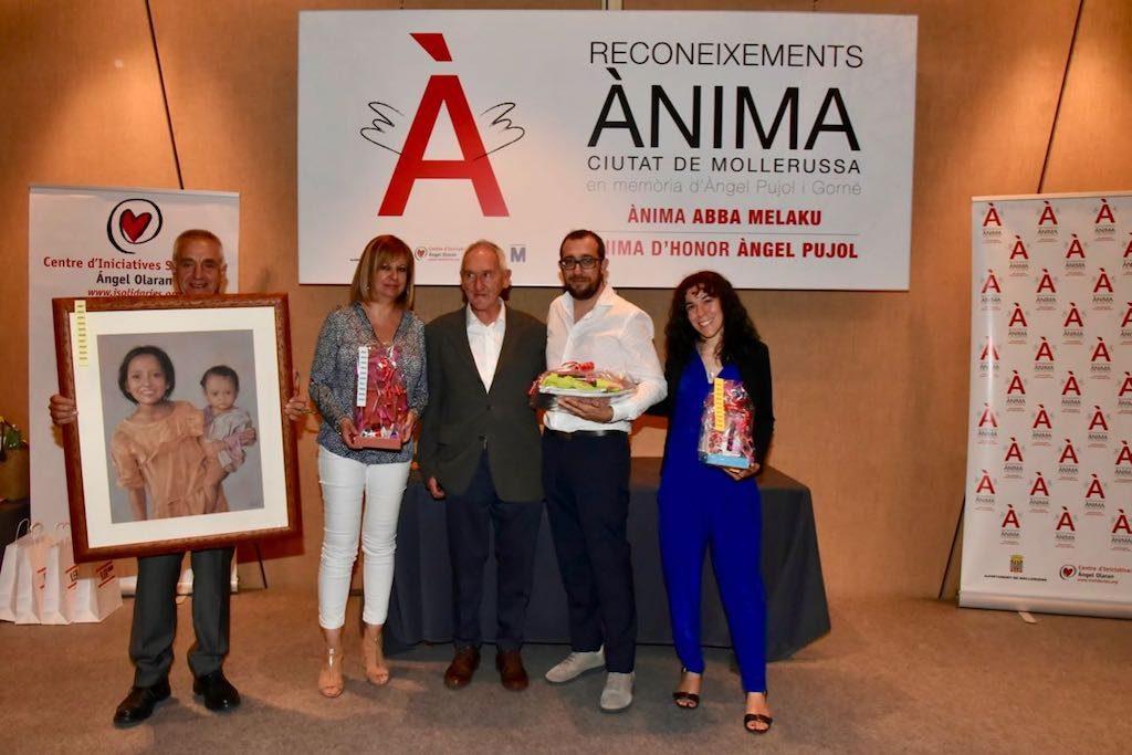 Persones reconegudes per la seva ajuda al CIS Ángel Olaran