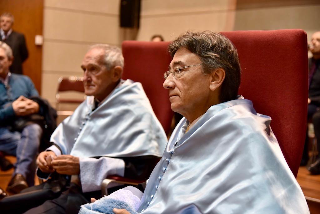 Angel Olaran comparteix la distinció de doctor honoris causa-152