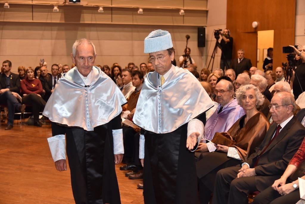 Angel Olaran comparteix la distinció de doctor honoris causa-50