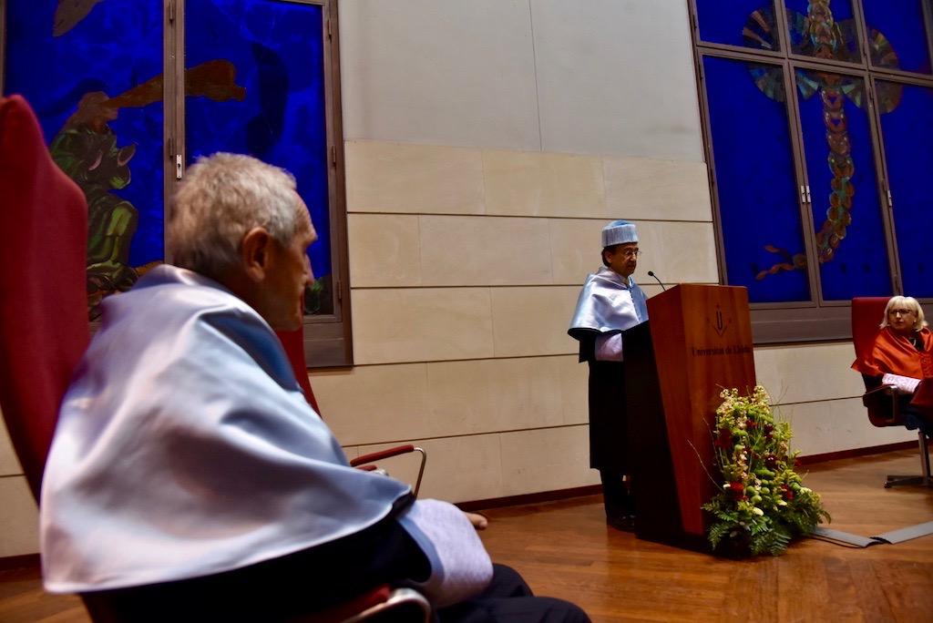 Angel Olaran comparteix la distinció de doctor honoris causa-58