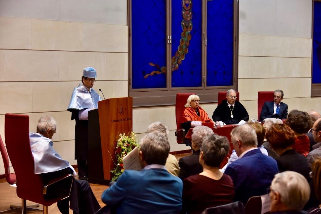 Angel Olaran comparteix la distinció de doctor honoris causa-60