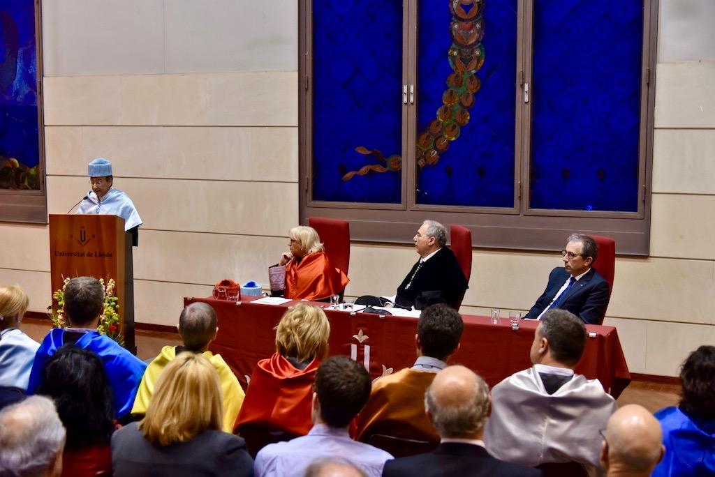 Angel Olaran comparteix la distinció de doctor honoris causa-75