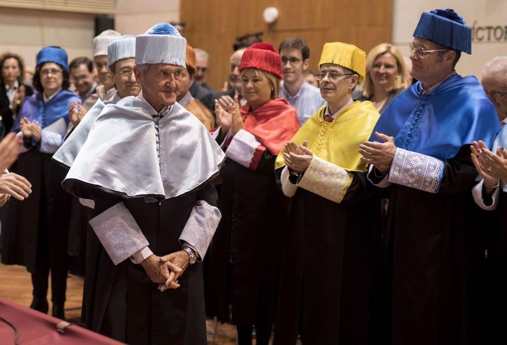 Angel Olaran comparteix la distinció de doctor honoris causa_32