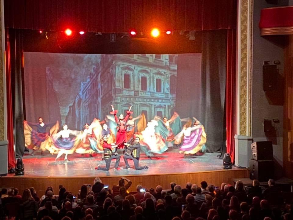 Espectacle Aqua al Teatre L'Amistat de Mollerussa-108
