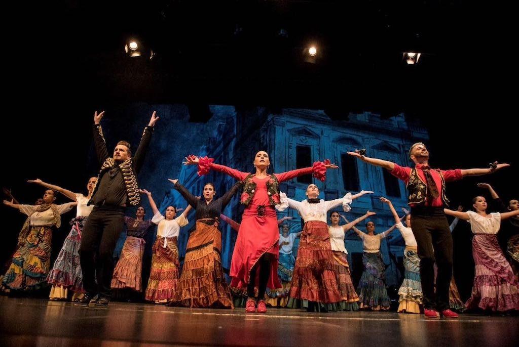 Espectacle Aqual al Teatre L'Amistat de Mollerussa-1