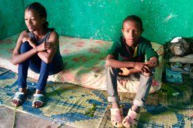 Ajuda orfes i persones més necessitades de Wukro-3