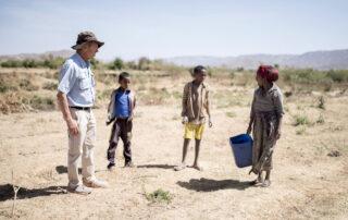 Angel Olaran escribe sobre la aldea global en alerta roja